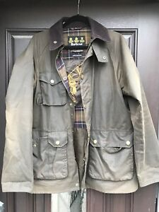 Barbour 8oz waxed cotton fishing jacket  - size L
