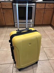 Travellers Choice Sedona 21inch Hard Spinner Luggage