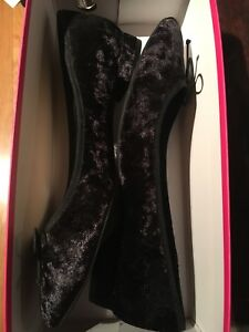 New in box- Vince Camuto black velvet flats