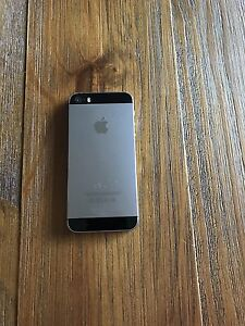 iPhone 5S - 16gb in very good condition