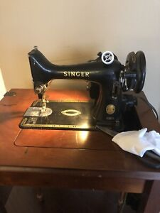 Antique working Singer Sewing Machine with Table
