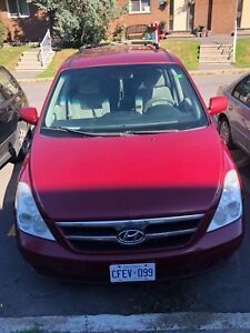 Hyundai entourage car 2008 working good