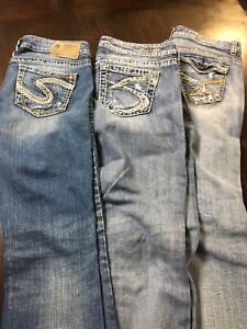 3 pairs of jeans for sale