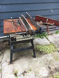 Rockwell table saw and stand