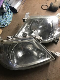 Hilux kun26 headlights