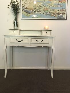 White vanity table, faux French style