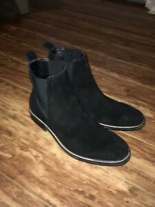 GUESS Chelsea boots 90$