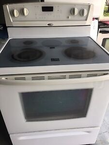 Whirlpool glass top electric stove
