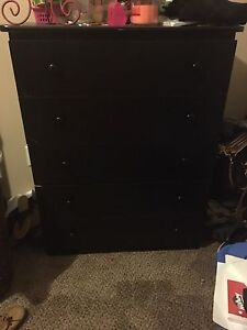 Dresser and wardrobe thing for sale