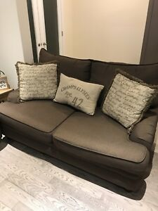 Wide comfortable couches!