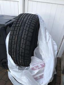 4 pneus d'hiver 235/55r17 Yokohama excellente condition