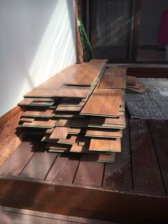 Floating floor boards - newly uninstalled - great condition