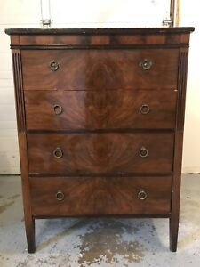 Antique Mahogany Hespeler Dresser / Bureau / Chest