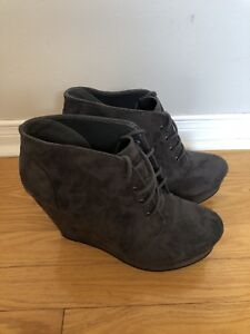 Woman's Wedge Boots