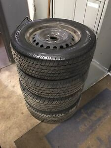 4 all season tires (like new)