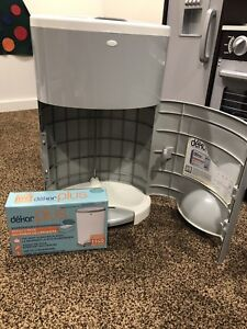 Dekor plus diaper pail with box of liners