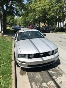 Ford Mustang GT 2005 V8 - 75,000KM only