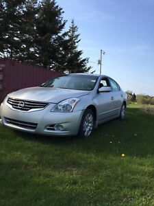 2010 Nissan Altima 2.5s push to start *new motor*