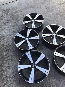 Cv8 Monaro wheels Cranbourne Casey Area Preview