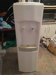 Water dispenser/cooler