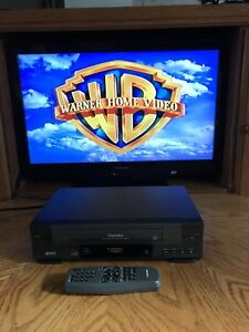 TOSHIBA W-414C VCR VHS Player Recorder w/ Remote Works A1