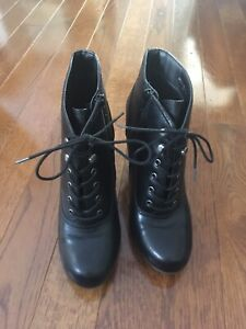 Size 11 laced boot