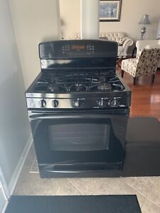 BLACK GAS STOVE AND FRIDGE FOR SALE