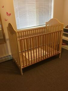 Maple Crib $75