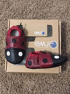 Lady bug slippers NWT 0-6 months
