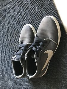 Nike & vans shoes size 10