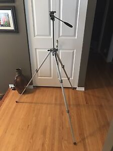 Vintage VELBON VG-3 Cast Aluminum  60 inch Tripod Made in Japan