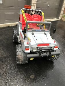 Peg Perego kids children Gaucho Jeep power wheels wrangler