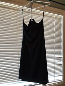 Halter dress with wooden circle