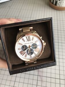 Good condition Michael Kors rose gold watch