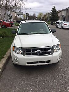Summer special!$6750 4cyl fwd 2.5 litre economical Ford Escape