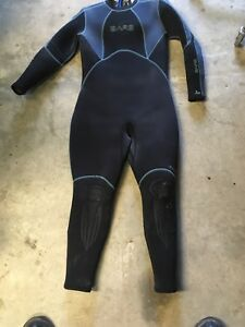 Used Woman's Wetsuit - 7mm