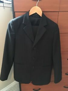 Great quality boys size 14 suite, pants, vest and tie
