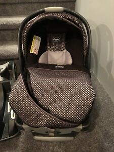 Chicco Keyfit 30 Infant Seat and Extra Base
