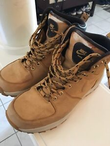 Men's Nike boots - size 9