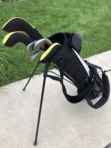 Tiger Woods Junior Left Hand 8 pc. Nike Golf Set -Almost new!!