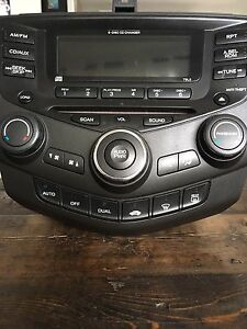 2003-2007 Honda Accord factory radio. Duel CC. 6 disk changer.