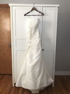 Brand new ivory wedding dress gown, small petite