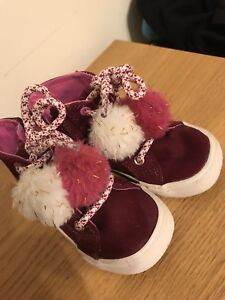 Toddler boots / shoes size 7
