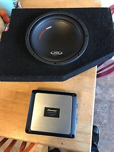 Mtx thunder pro sub with pioneer amp in Dodge Ram box
