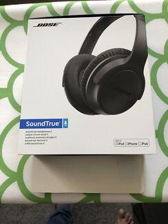 Bose True sound headphones ... Near new