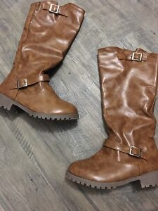 Brown boots.