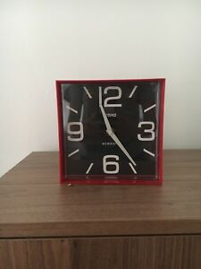 Red Cube Clock