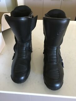 Motorcycle boots as new uk 9