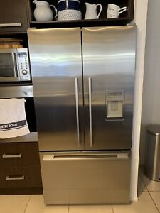 Fisher & Paykel French Door Refrigerator 614 Litre )