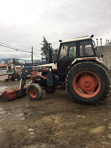 Caseih 1594 tractor with quick attach loader